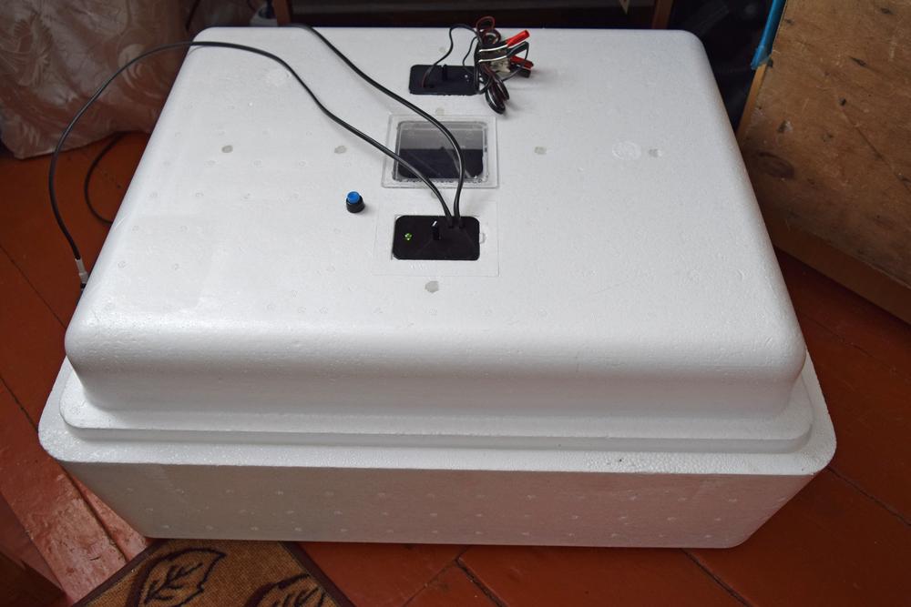 инкубатор для яиц кур, уток и гусей