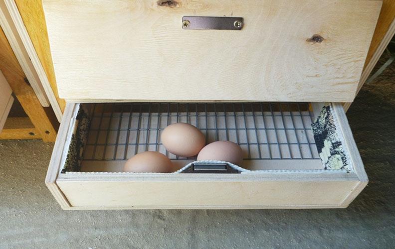 Гнездо с выдвижным ящиком
